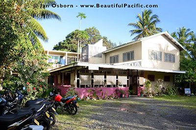 backpackers rarotonga entrance